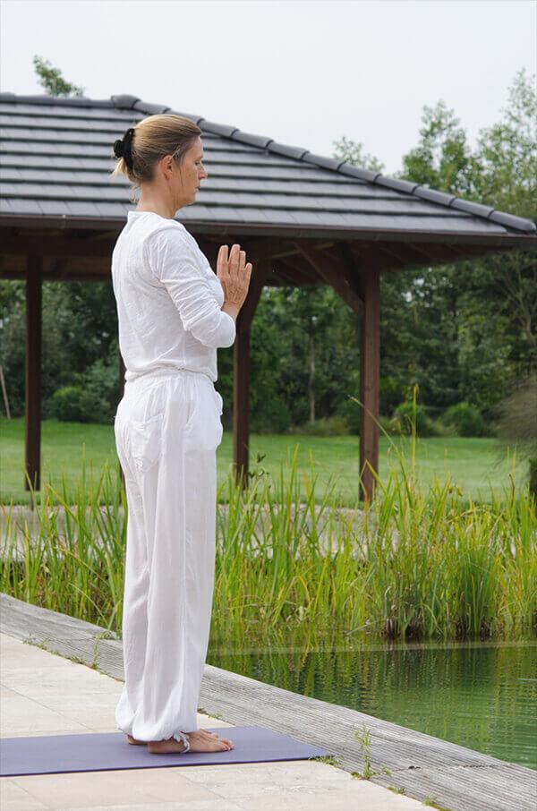 yoga-studio-almere-prijzen-surya-namaskar